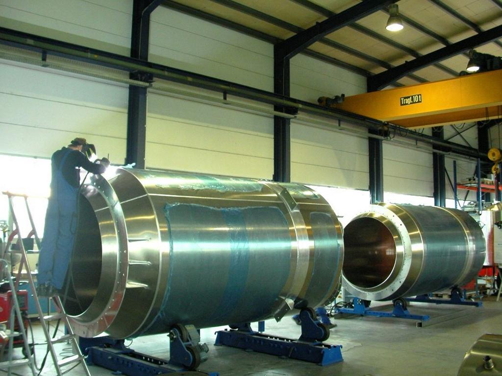 Aluminiumbehälter zur Lagerung von Kunststoffgranulaten;